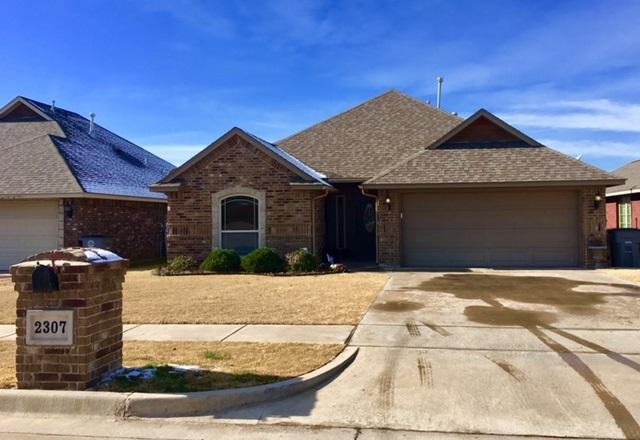 2307 SW 44th St, Lawton, OK 73505 (MLS #149645) :: Pam & Barry's Team - RE/MAX Professionals