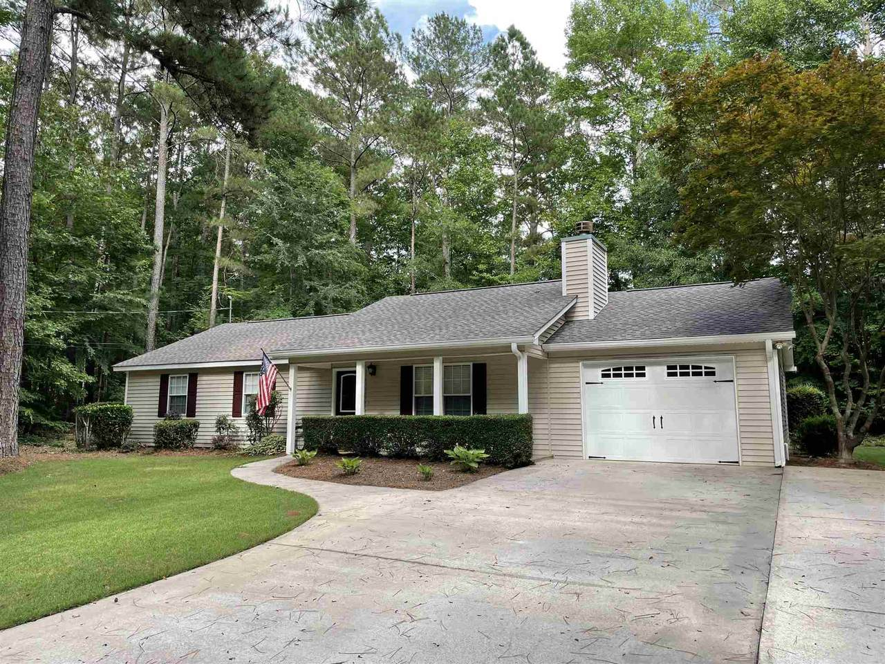134 Lake Forest Drive - Photo 1