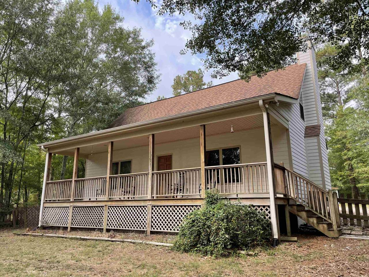 120 Lake Forest Drive - Photo 1
