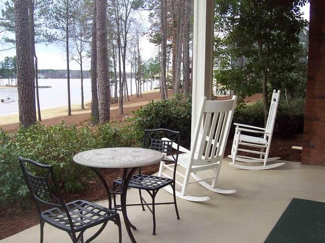 1021B Marina Cove Lane, Greensboro, GA 30642 (MLS #56552) :: Team Lake Country