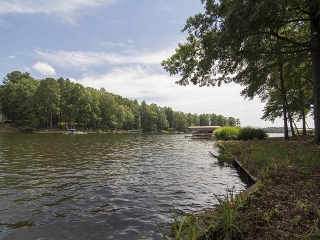1240 Armor Point, Greensboro, GA 30642 (MLS #32301) :: Jo Jones & Company