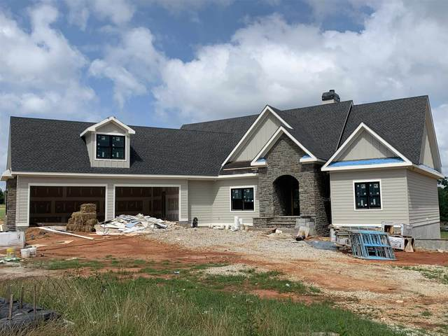 2041 Clearwater Drive, White Plains, GA 30678 (MLS #59186) :: Team Lake Country