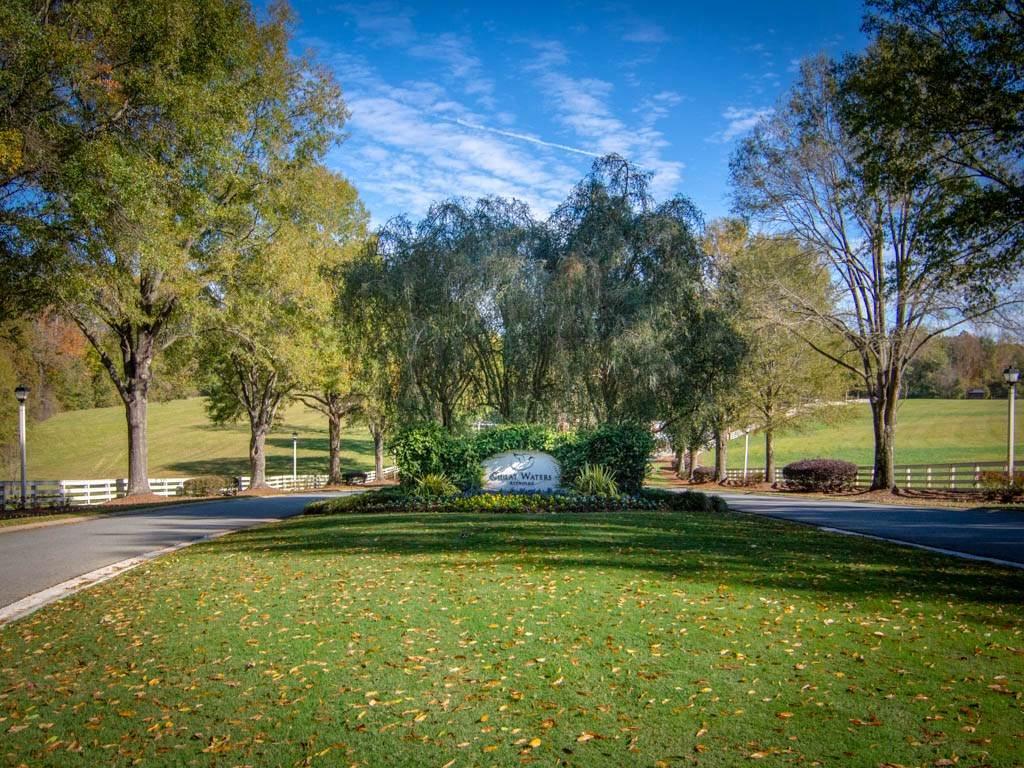 128 Carolyn Drive - Photo 1