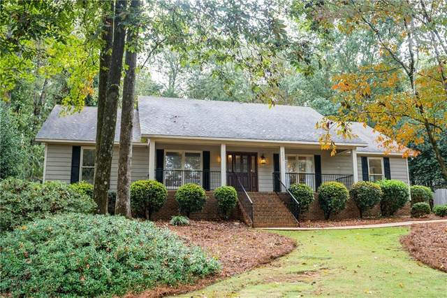 2405 Heritage Drive, OPELIKA, AL 36804 (MLS #148114) :: The Mitchell Team
