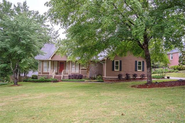 1804 Briarwood Lane, OPELIKA, AL 36801 (MLS #151700) :: Crawford/Willis Group