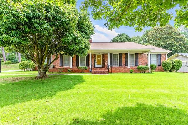 1303 Rockybrook Road, OPELIKA, AL 36801 (MLS #152478) :: Kim Mixon Real Estate