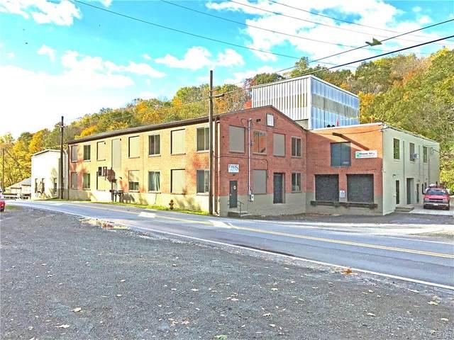 2228 Farmington Avenue, Douglass Township, PA 19512 (#645671) :: Jason Freeby Group at Keller Williams Real Estate