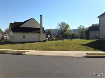 110 Highlands Circle #17, Easton, PA 18042 (MLS #570251) :: Jason Freeby Group at Keller Williams Real Estate