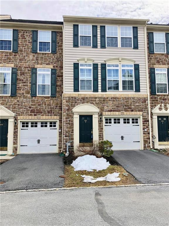1646 Oakridge Lane, Hellertown Borough, PA 18055 (MLS #574045) :: RE/MAX Results