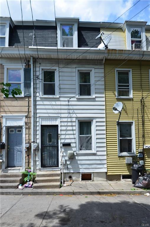 935 Monroe Street, Allentown City, PA 18102 (MLS #585797) :: RE/MAX Results