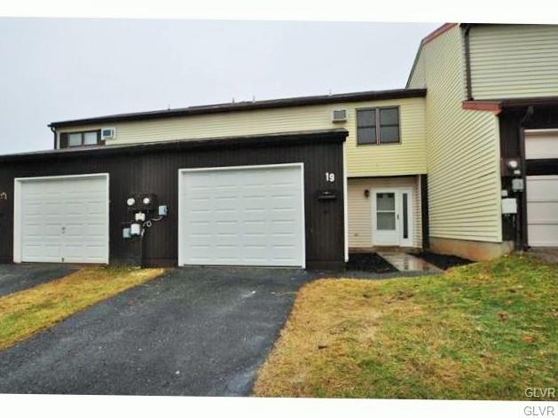 19 Cambridge Place, Catasauqua Borough, PA 18032 (MLS #586493) :: RE/MAX Results