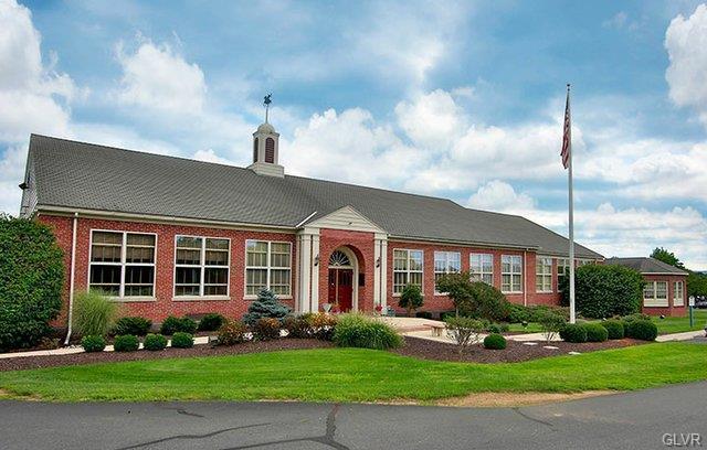 4001 Schoolhouse Lane, Upper Saucon Twp, PA 18034 (MLS #604591) :: Keller Williams Real Estate