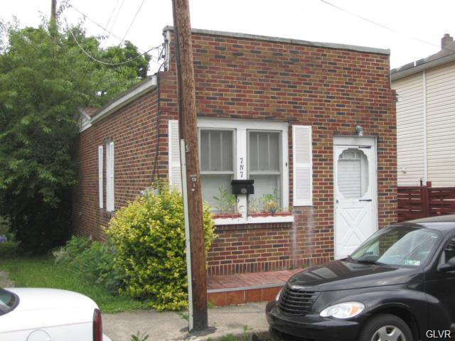 7 N 7Th Street, Bangor Borough, PA 18013 (#605351) :: Jason Freeby Group at Keller Williams Real Estate