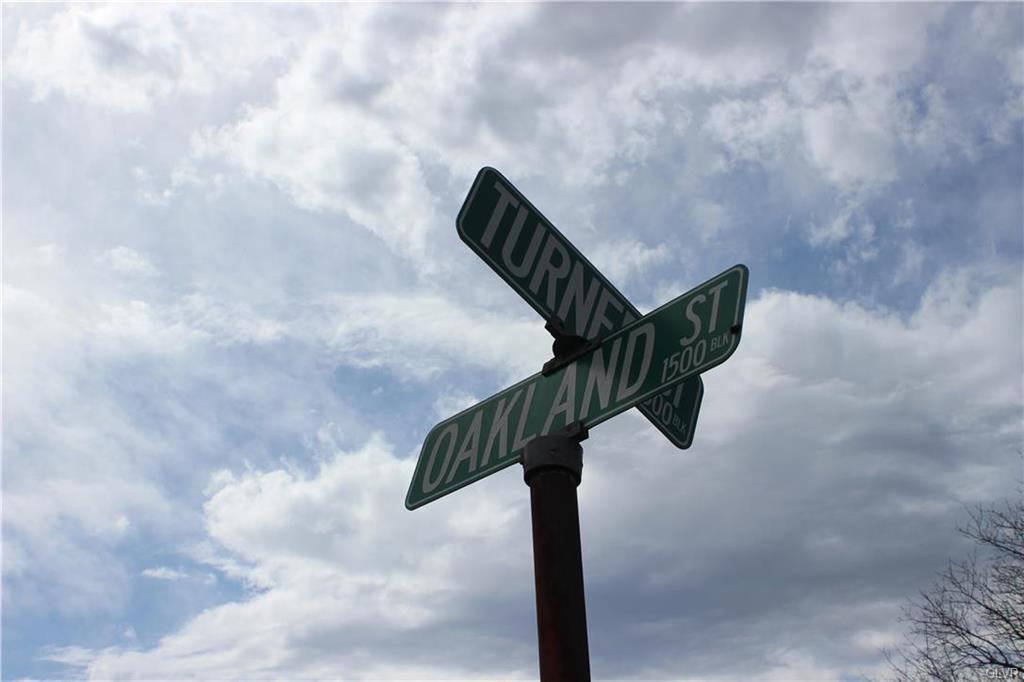 527 Turner Street - Photo 1