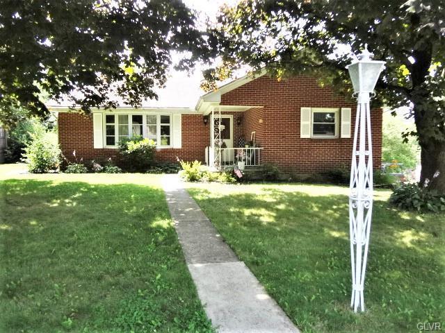 916 Walnut Street, Washington Twp, PA 18013 (#615372) :: Jason Freeby Group at Keller Williams Real Estate