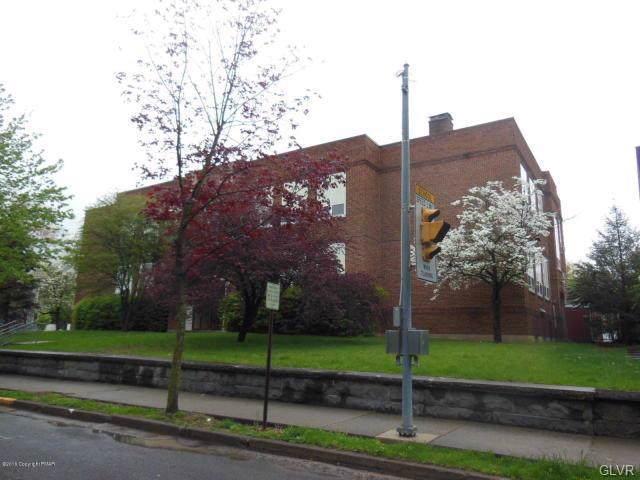 528 Thomas Street, Stroudsburg, PA 18360 (#623570) :: Jason Freeby Group at Keller Williams Real Estate