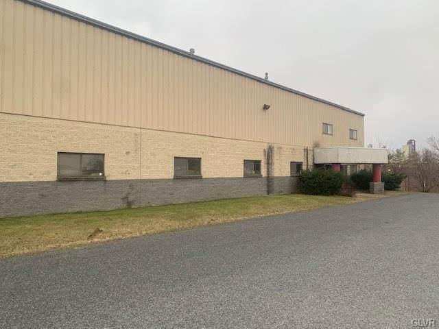 6866 Chrisphalt Drive, East Allen Twp, PA 18014 (MLS #634931) :: Justino Arroyo | RE/MAX Unlimited Real Estate