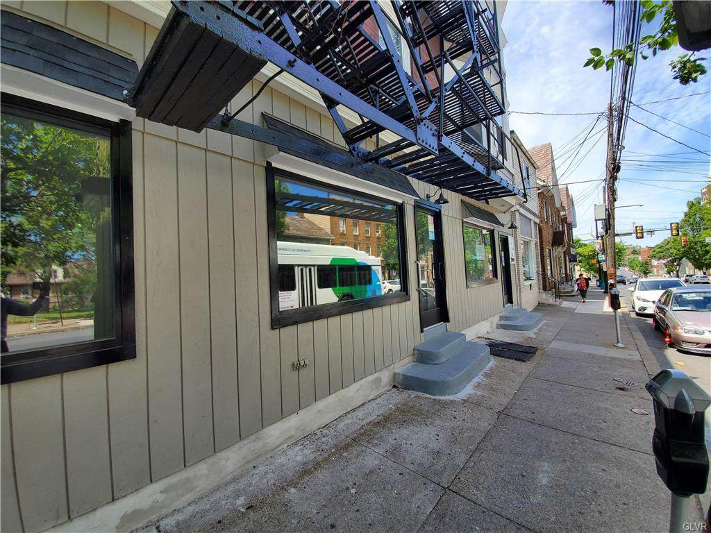 712 4th Street - Photo 1