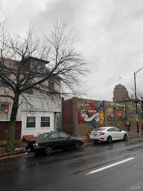 132 8th Street - Photo 1