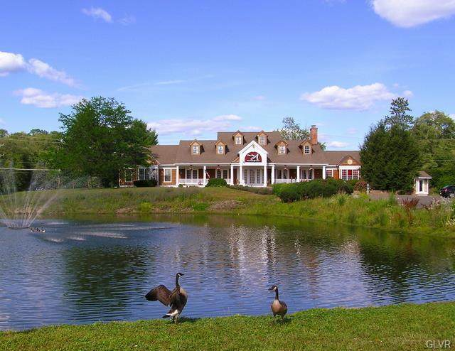 252 Fox Run Lane, Middle Smithfield Twp, PA 18302 (#656700) :: Jason Freeby Group at Keller Williams Real Estate