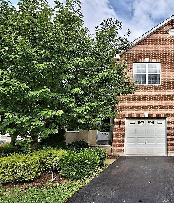7066 Hunt Drive, Lower Macungie Twp, PA 18062 (MLS #586552) :: RE/MAX Results