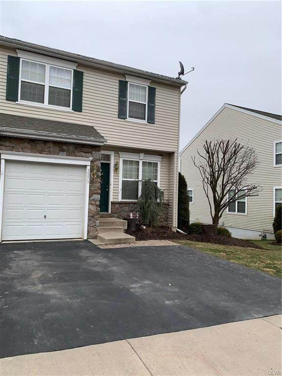 3575 Penfield Way, Upper Nazareth Twp, PA 18064 (MLS #632859) :: Justino Arroyo | RE/MAX Unlimited Real Estate