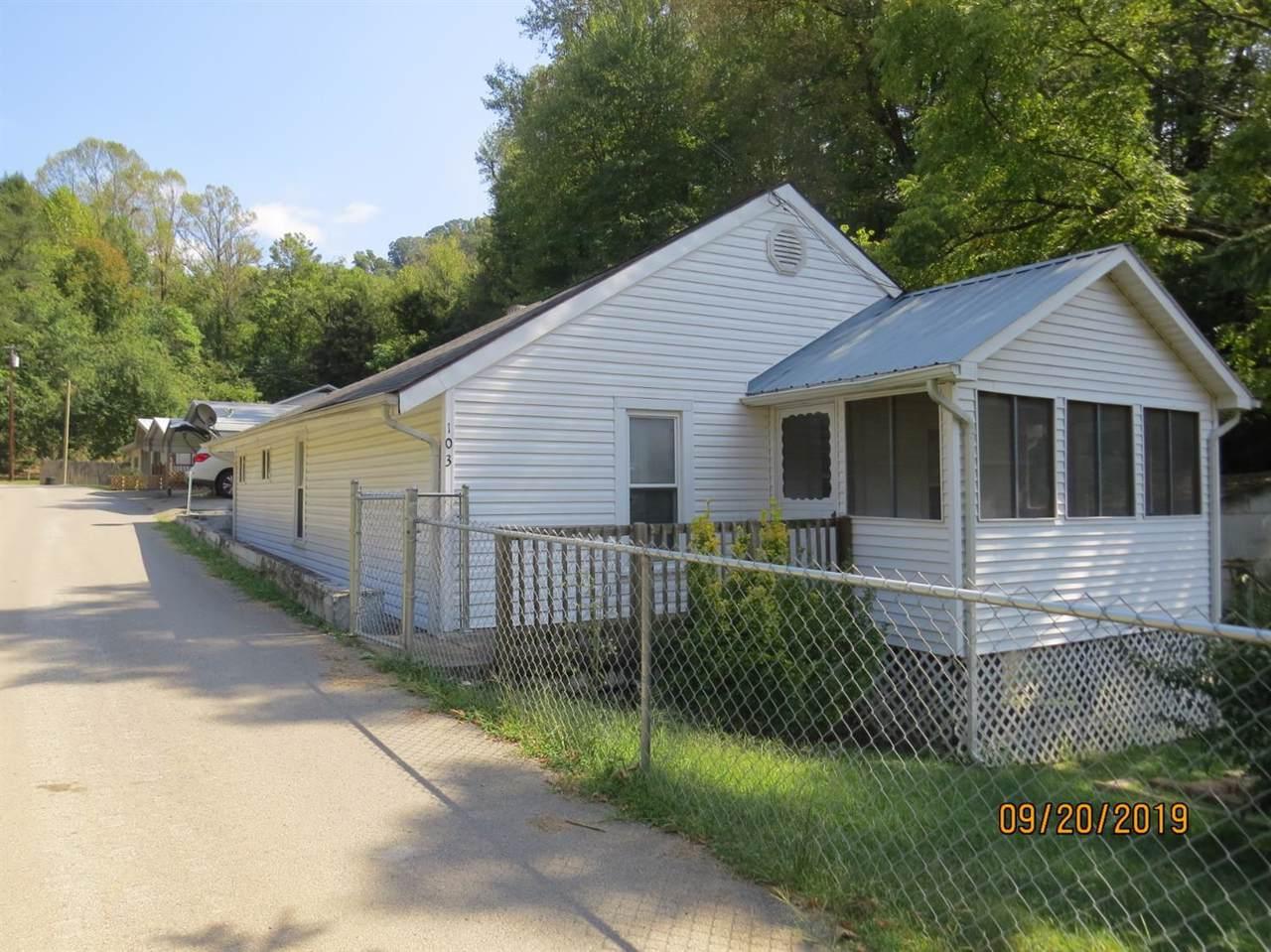 103 Carter Ave - Photo 1