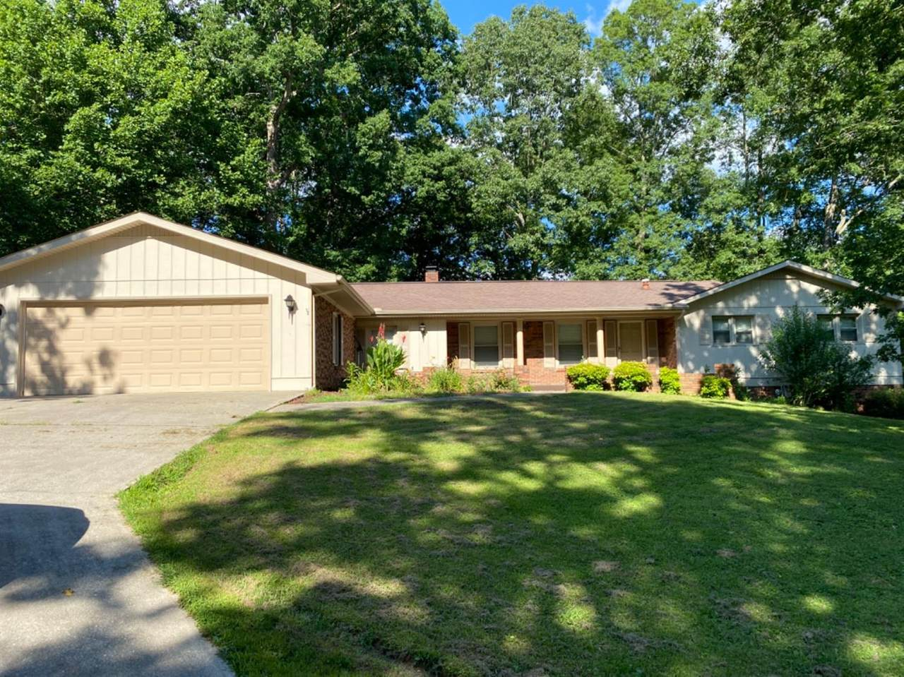 1105 Forest Circle Drive - Photo 1