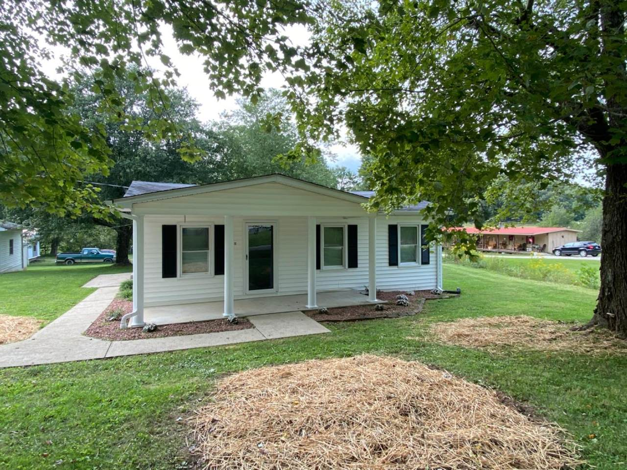 1315 Town Branch Road - Photo 1