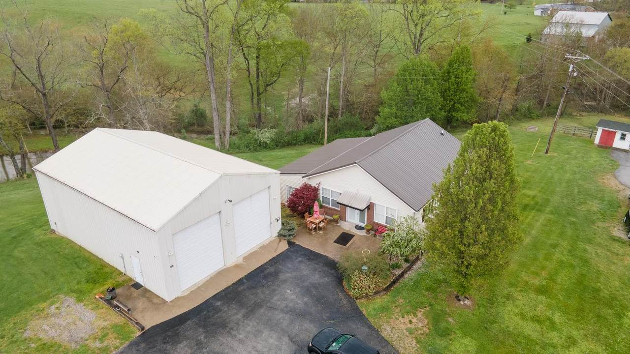 912 Charlie Sizemore Road - Photo 1