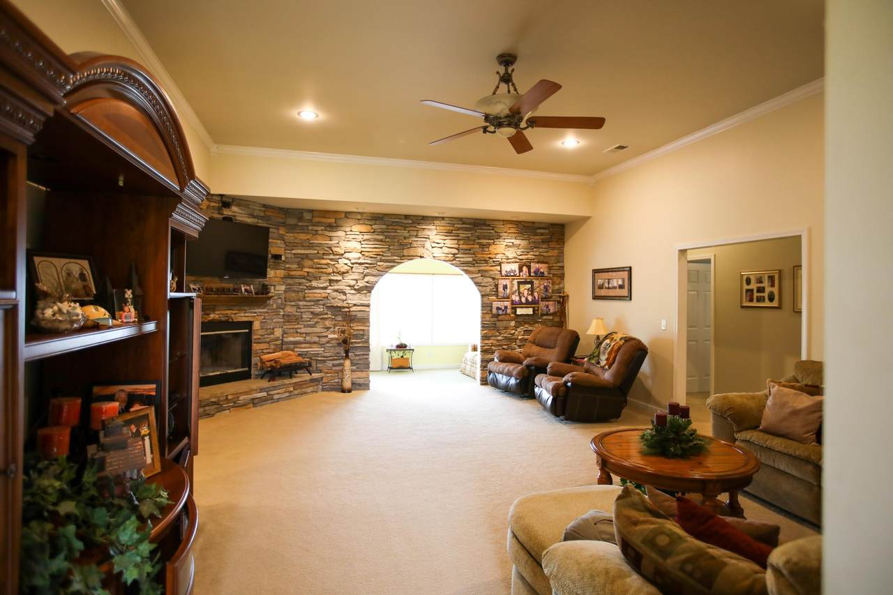 1700 Knobby Ridge Way - Photo 1