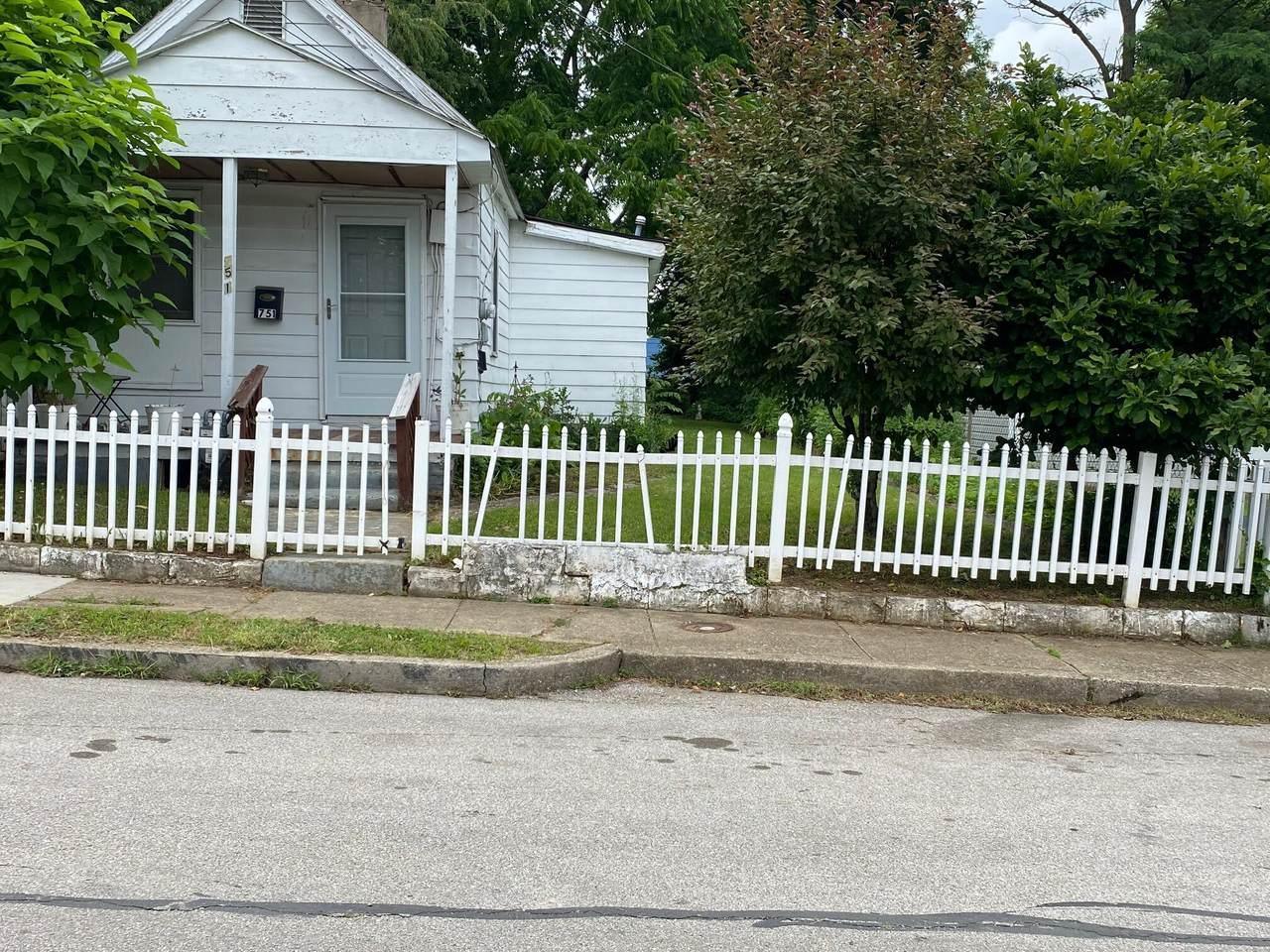 751 Dakota Street - Photo 1