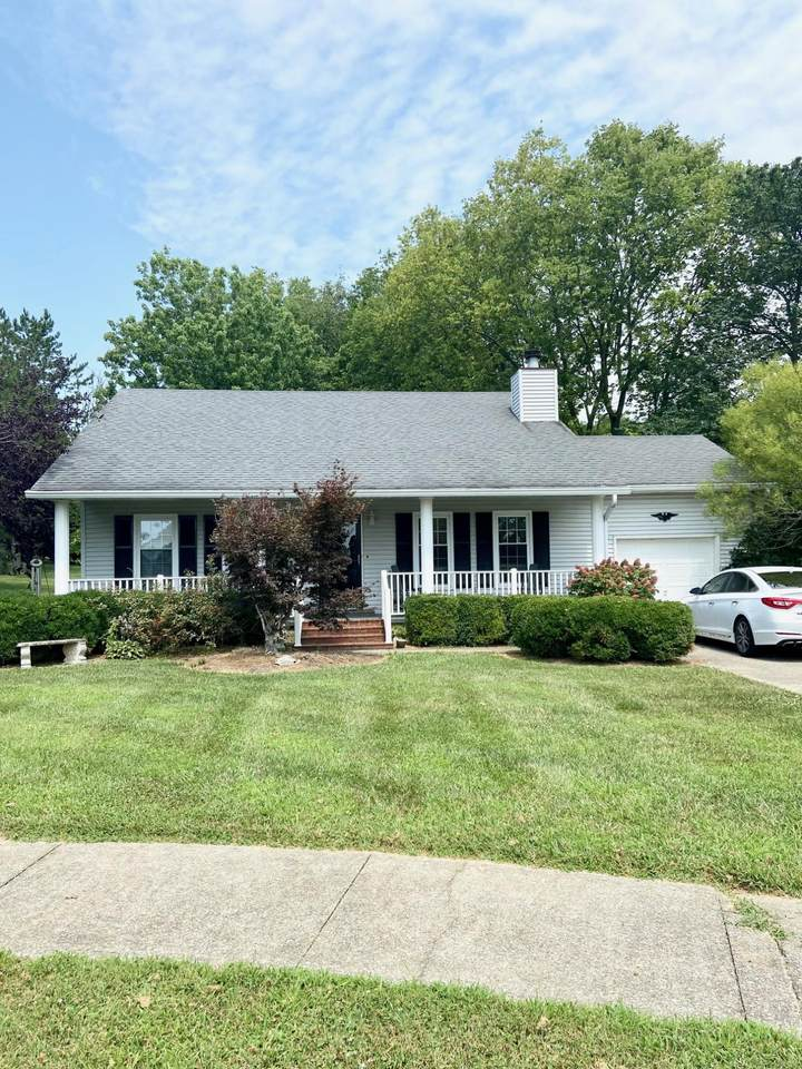 423 Willowbrook Road - Photo 1