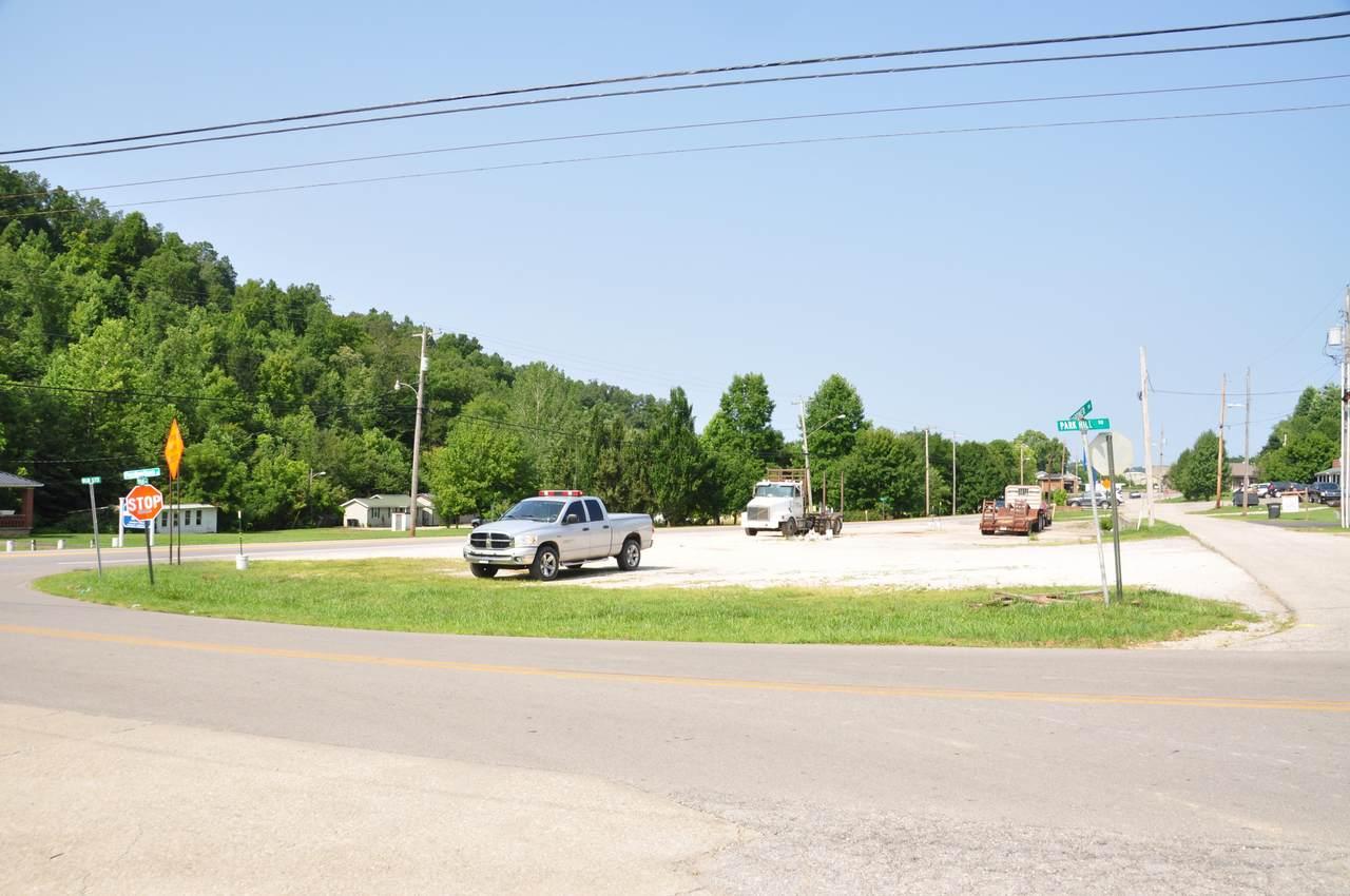 749 Prestonsburg Street - Photo 1