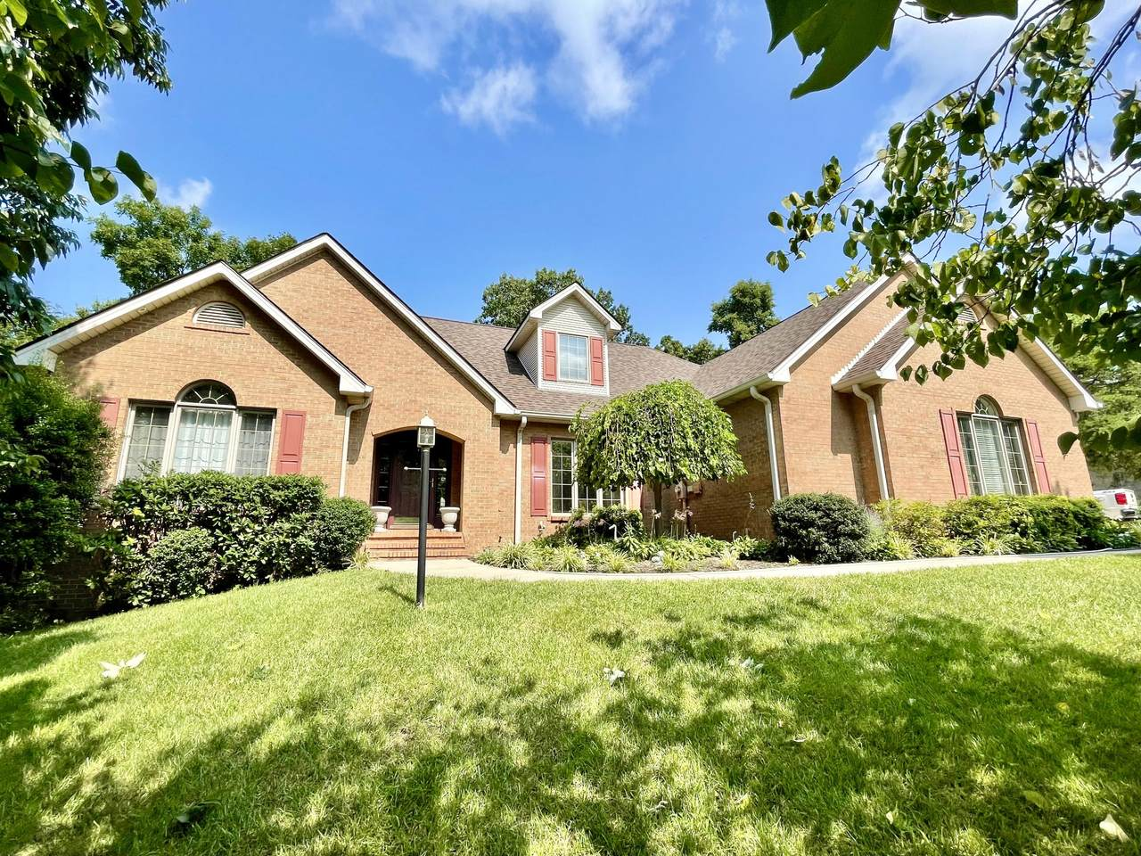 512 Water Cliff Drive - Photo 1