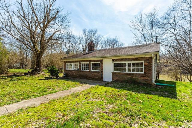 315 Lower Cllifton Road, Versailles, KY 40383 (MLS #1905395) :: The Lane Team