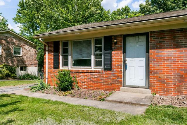3828 Walhampton Drive, Lexington, KY 40517 (MLS #1912020) :: Nick Ratliff Realty Team