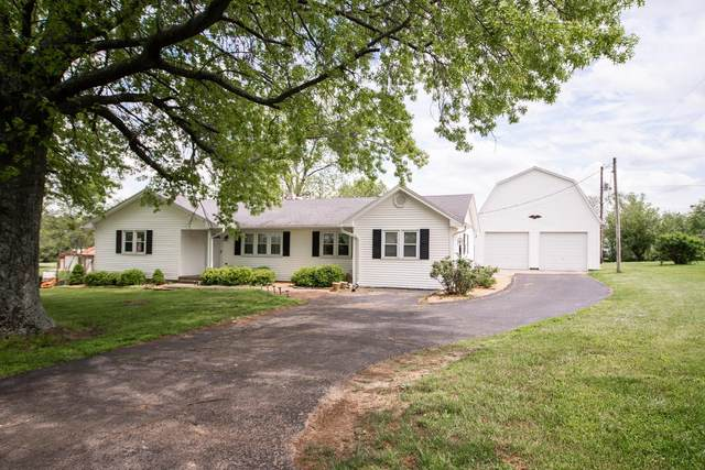 1226 Clay Kiser Road, Paris, KY 40361 (MLS #20009902) :: Better Homes and Garden Cypress