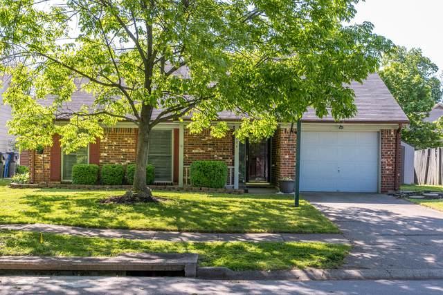 1204 Berrywood Drive, Lexington, KY 40515 (MLS #20108886) :: Vanessa Vale Team