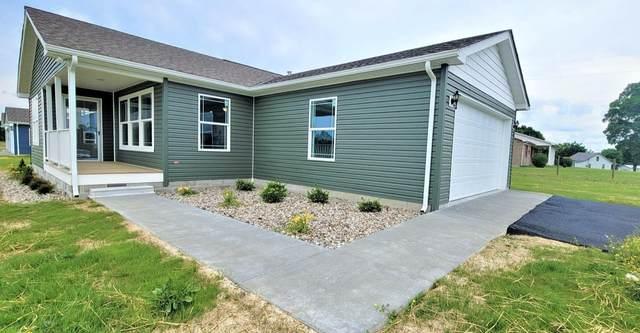 20 Village Ln, Russell Springs, KY 42642 (MLS #20110580) :: Nick Ratliff Realty Team