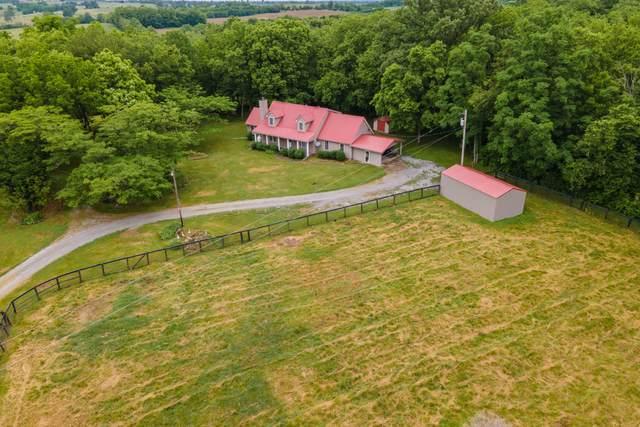 769 Harrods Creek Road, Paris, KY 40361 (MLS #20110653) :: Better Homes and Garden Cypress