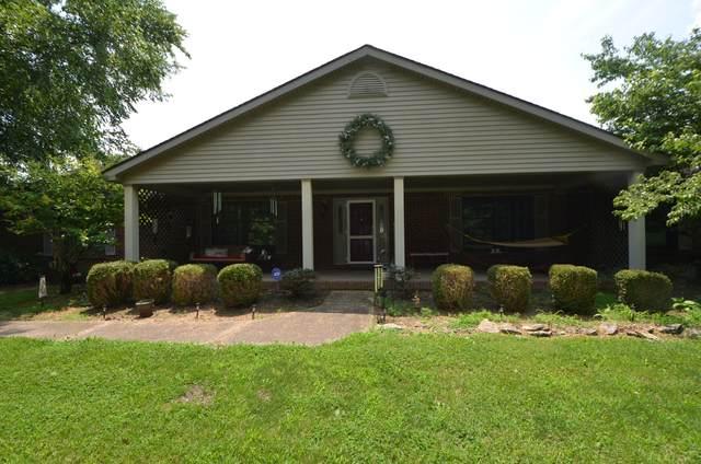 1090 Spring Meadow Drive, Lawrenceburg, KY 40342 (MLS #20114262) :: Nick Ratliff Realty Team