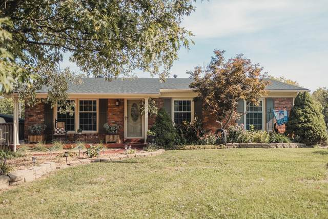 313 Gailane Street, Lawrenceburg, KY 40342 (MLS #20120397) :: Better Homes and Garden Cypress