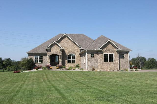 1021 Forest Hill Drive, Lawrenceburg, KY 40342 (MLS #20121244) :: Better Homes and Garden Cypress