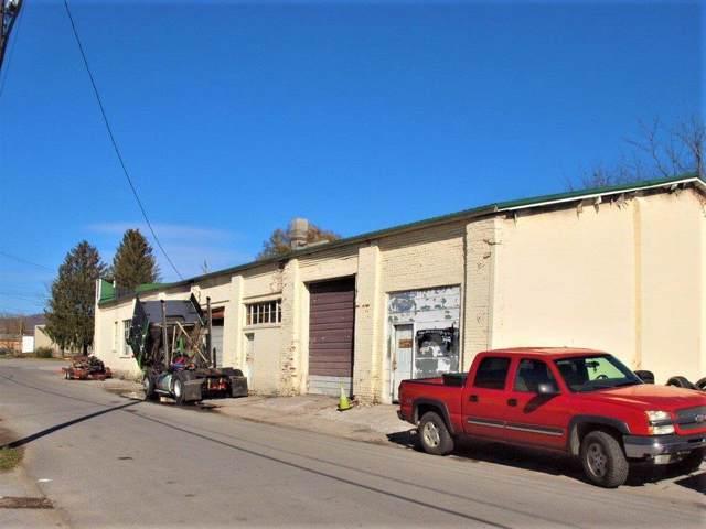 121 17th Street, Middlesboro, KY 40965 (MLS #1926409) :: Nick Ratliff Realty Team