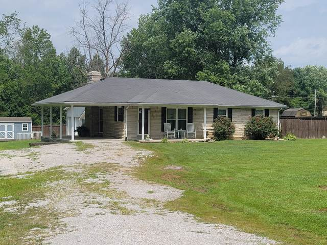 1041 College Hill Road, Waco, KY 40385 (MLS #20116284) :: Better Homes and Garden Cypress