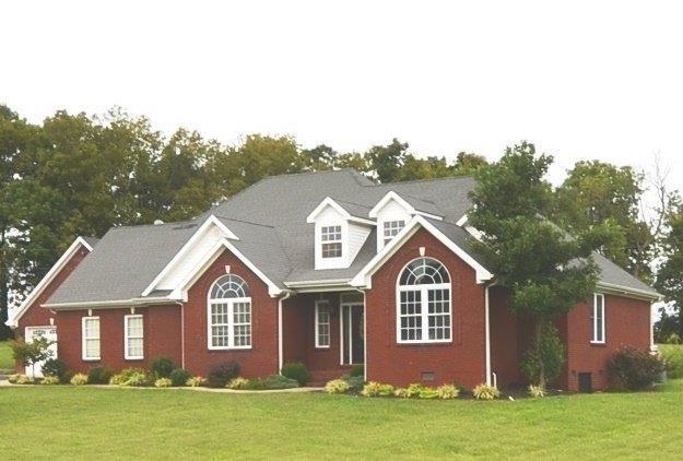 103 Lee Oak Circle, Harrodsburg, KY 40330 (MLS #1821377) :: Gentry-Jackson & Associates