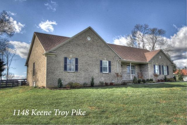 1148 Keene Troy Pike, Versailles, KY 40383 (MLS #1825365) :: The Lane Team