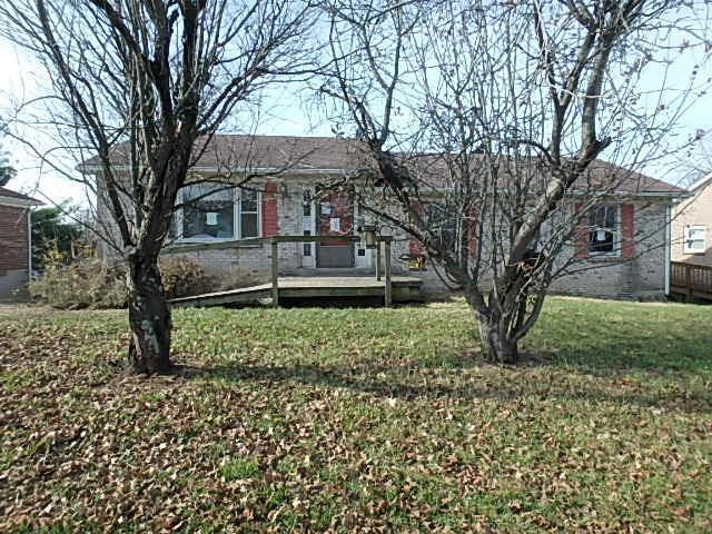108 Oakwood Drive, Nicholasville, KY 40356 (MLS #1827260) :: The Lane Team