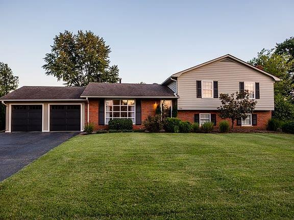 758 Cindy Blair Way, Lexington, KY 40503 (MLS #1916240) :: Joseph Delos Reyes | Ciara Hagedorn